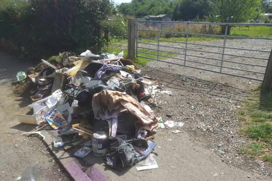 Rubbish outside allotment